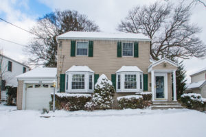 7 Reasons to List Your Home During the Holidays | www.gibbonsteam.net